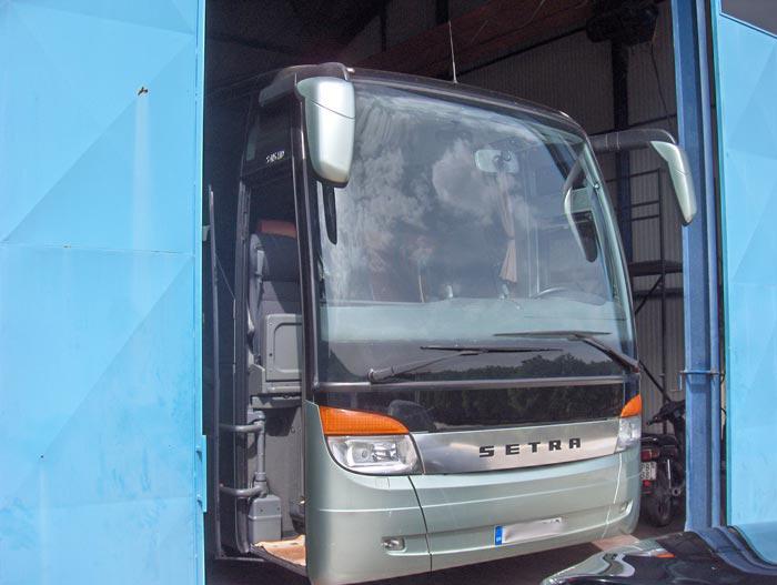 - Λεωφορεία
